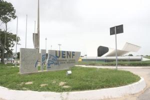 Caderno especial do aniversário e Campos  UENF Foto Isaías Fernandes