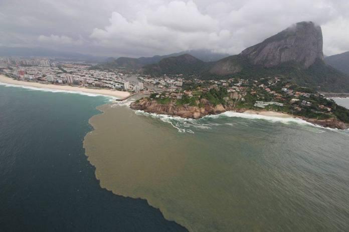 Esgoto na Baía de Guanabara, Rio de Janeiro
