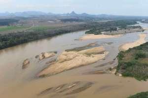 Linhares (ES) - A lama vinda das barragens da Samarco com rejeitos de mineração seguem ao longo do leito do Rio Doce em direção à sua foz, localizada em Regência, Linhares (Fred Loureiro/Secom ES)