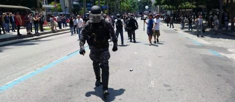 policia-choque-abandono