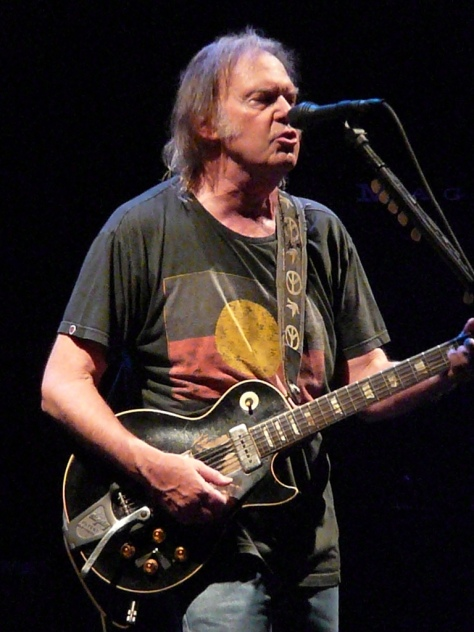 Neil_Young_in_Nottingham_2009_(k)