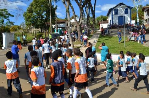 estudantes participam do simulado em brumal