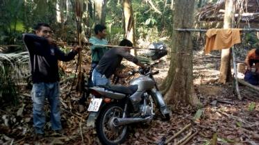 indigenas-uru-eu-wau-wau-prendem-invasores-dentro-da-floresta-foto-kaninde