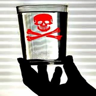 Resultado de imagem para agrotóxicos na água de consumo