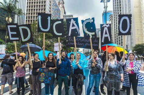 protestos educação