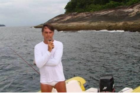 bolsonaro pescando ilegalmente