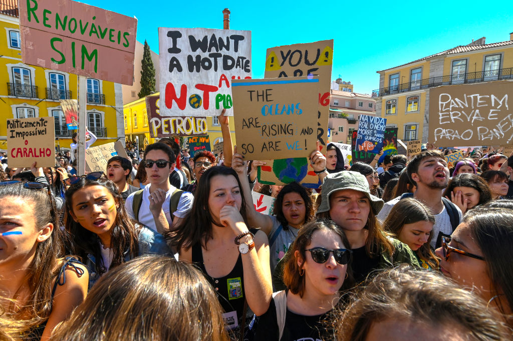 Portuguese Students Strike Against Climate Change